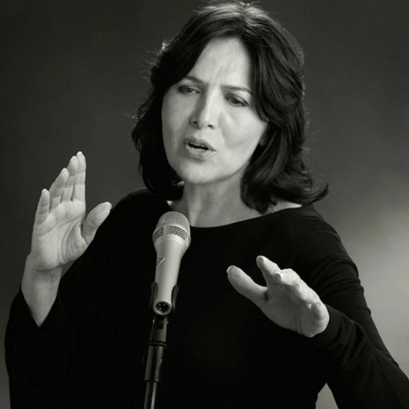MARÍA LAVALLE canta en favor de las víctimas de violencia de género